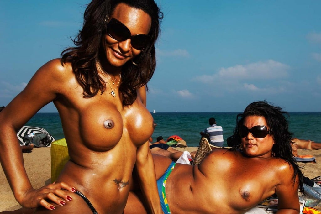 Amateur Voyeur Forum girls posing